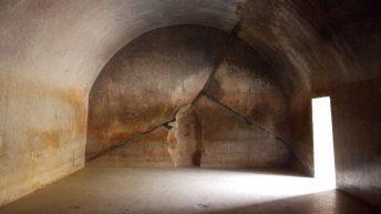 Пещеры Барабар в Индии - постройки древних цивилизаций